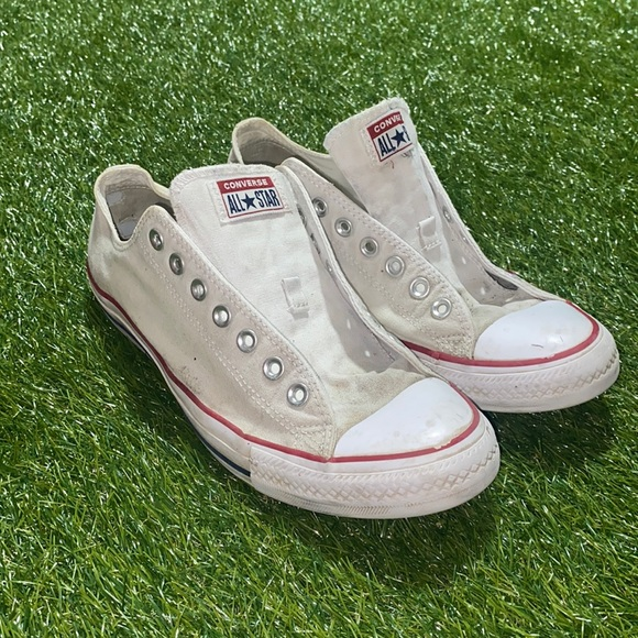 Converse low top brand shoes
